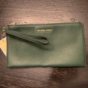 Michael Kors Mercer Lg Zip Moss Clutch